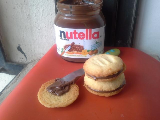 lemon shortbread nutella sandwich cookies