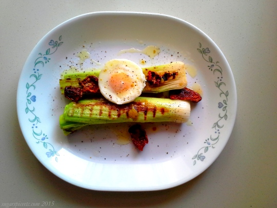 Leeks with poached eggs