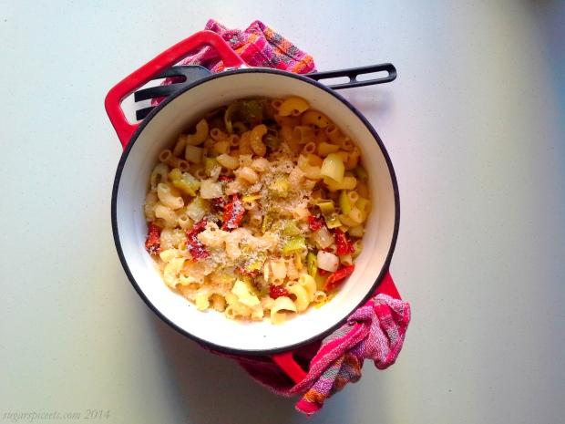 macaroni with leeks